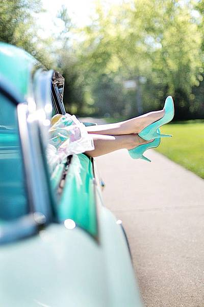 womans-legs-887286_960_720.jpg