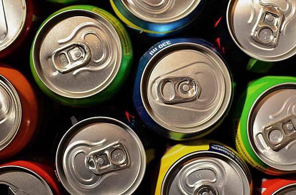 beverage-cans-1058702_960_720.jpg