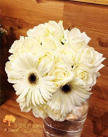 鑲鑽白玫瑰+白色太陽花.jpg