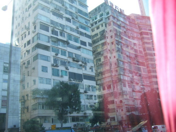 Day 1_往飯店途中 2 (香港住家大樓).jpg