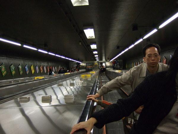 Day 3_回飯店途中地鐵 2.jpg