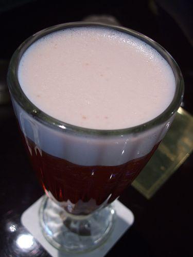 980704與俐嬌聚餐-她的覆盆莓茶 (1).jpg