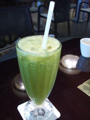980704與俐嬌聚餐-我的水果綠茶 (1).jpg