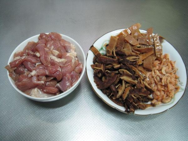 高麗菜飯+豆乾排骨湯