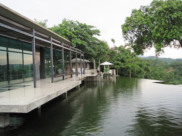 二泉湖畔7.JPG