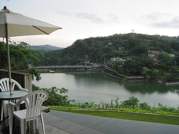二泉湖畔6.JPG