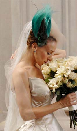 carrie-bradshaw-wedding-headpiece.jpg