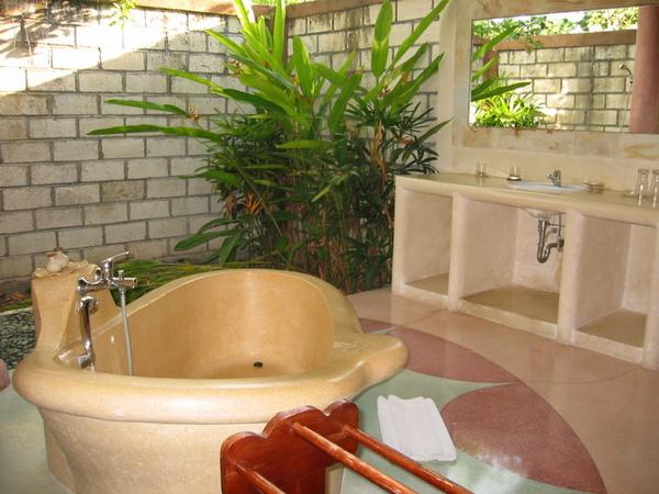 villa~~半露天的浴室!