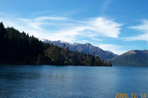 看湖跟山有多乾淨
