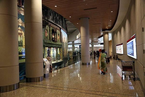 Bombay Airport_22.jpg