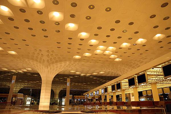 Bombay Airport_21.jpg