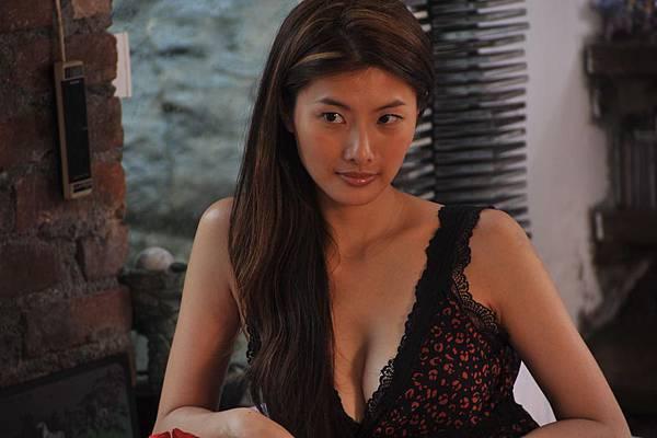 西西(芝芝 Chen Chih-Ying)