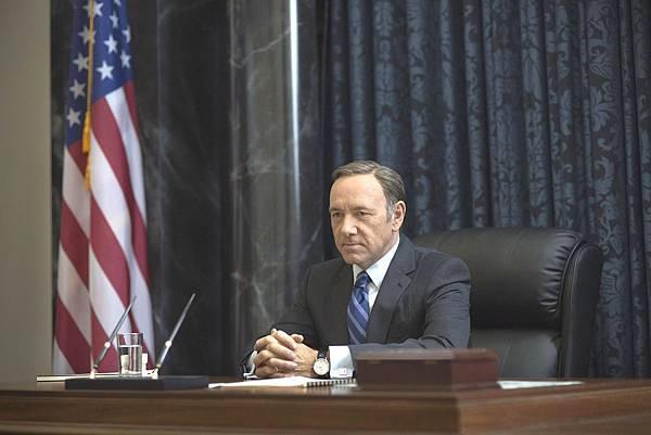 凱文史貝西『紙牌屋2』搶下高收視 大陸網友戲稱「白宮甄環傳」