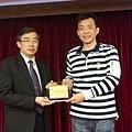 102高考專技律師(正取)093-鄭永彬(頒獎照)(中儒).jpg