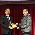 102高考專技律師(正取)248-吳崇瑋(頒獎照)(中儒).jpg