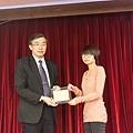 102高考專技律師(正取)555-蔡亞玲(頒獎照)(中儒).jpg