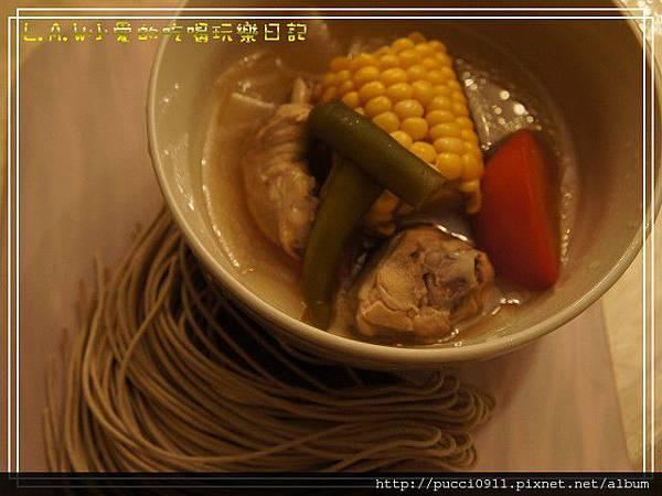 20120329剝皮辣椒雞湯-01