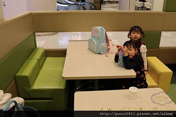 20150227@DiverCity美食街兒童用餐區-05.jpg