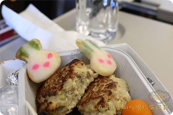 2016TRiP01日本京阪神親子7日自由行@台灣虎航關西飛機餐-09.jpg