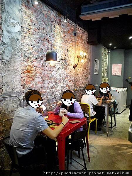 [食記]台北中山 tame moose泰姆西餐小館 可愛大眼怪/三眼怪拉花 特別焙鍋鬆餅鹹甜都有 氣氛小餐館 *WIFI 限時 附菜單*