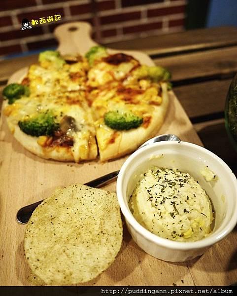 P1390931蔬菜披薩.JPG