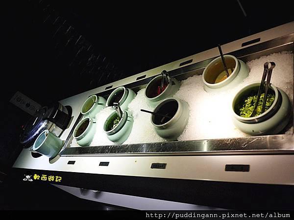 [食記]台北行天宮站 這一鍋皇室祕藏鍋物(吉林殿) 冒煙神仙牛肉 麻辣鴛鴦鍋 單點鍋物 85度C旗下火鍋