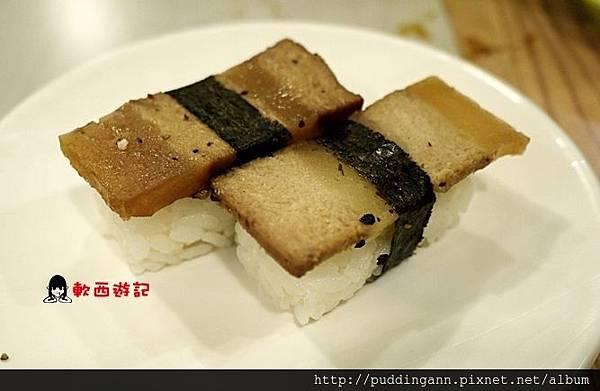 P1390304黑胡椒三層肉壽司.JPG