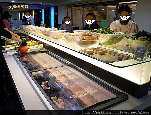 [食記]台北松江南京站 犇鱻涮涮鍋 超平價火鍋吃到飽 肉類/蔬菜/甜點/水果 應有盡有 385吃到飽 限時兩小時