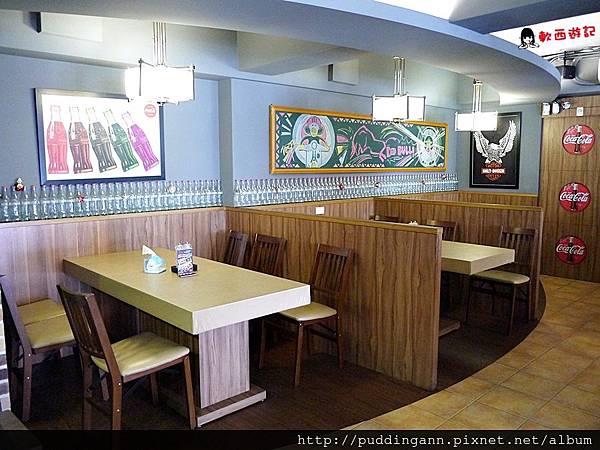 [食記]台北中山區 紅牛原味炭烤牛排 平價便宜牛排店 21oz大份量厚牛排 合江街美食/合江街餐廳 排隊名店 附菜單 價位 中山區餐廳/中山區美食