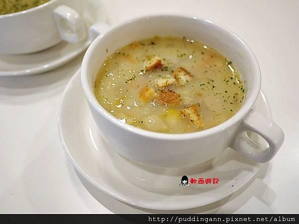 P1440122玉米濃湯.JPG