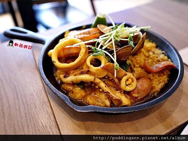 P1460333西班牙海鮮總匯燉飯.JPG