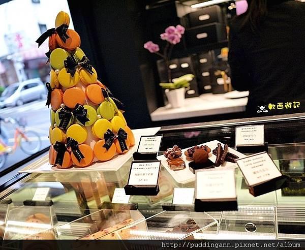 [食記]台北忠孝敦化站 Alexander's Patisserie 亞歷山大法式甜點 招牌焦糖海鹽星球巧克力 精緻法式甜點 少女心下午茶 玫瑰馬卡龍
