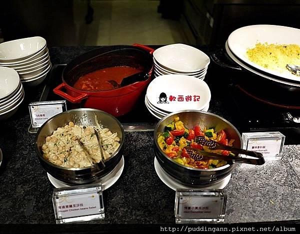 [食記]台北善導寺站 喜來登大飯店十二廚Kitchen 12 吃到飽BUFFET 新鮮海鮮/各式甜點/現煮麵食/日式生魚片/沙拉