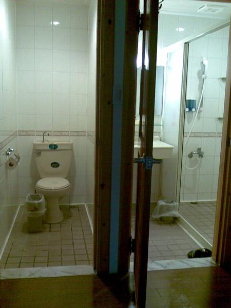 第二天住宿-兆豐農場-03 乾溼分離浴室