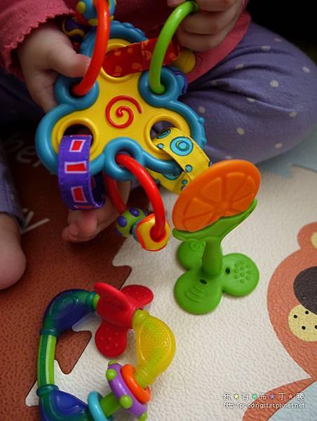 Nuby固齒器玩具012.jpg