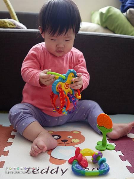 Nuby固齒器玩具014.jpg
