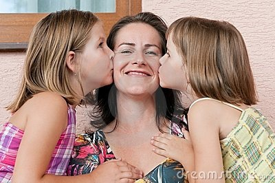 love-mother-children-16265418
