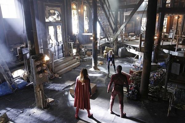 《閃電俠》The Flash 《超女》Supergirl 歐美影集檔案010