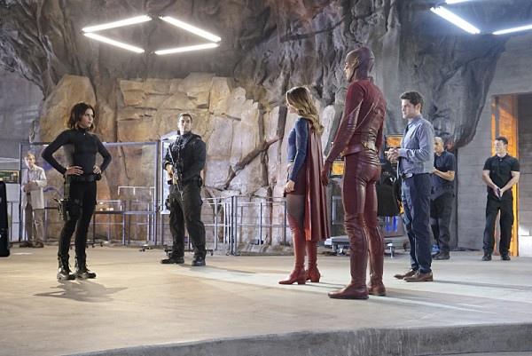 《閃電俠》The Flash 《超女》Supergirl 歐美影集檔案007