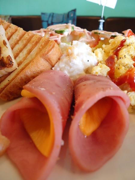 米拉貝爾咖啡(彰化民生店):【彰化早午餐】店面高貴價格平民之彰化悠閒早午餐~~~米拉貝爾