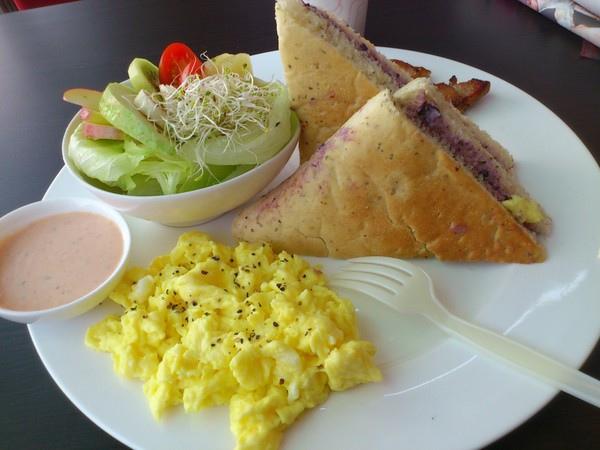 早安美之城(活力光榮店):享受吧!一個人的早餐。早安美之城~Good Morning!