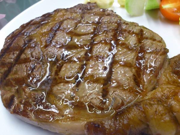 武之牛碳燒牛排:【台中】好吃牛排‧人稱老饕的牛排館...武之牛