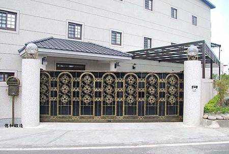 鍛造_日式_白鐵大門1.jpg