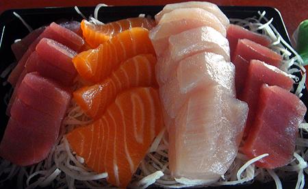 華僑市場生魚片.jpg
