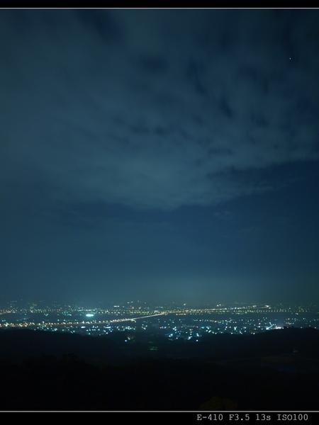 俯瞰台中縣的夜景
