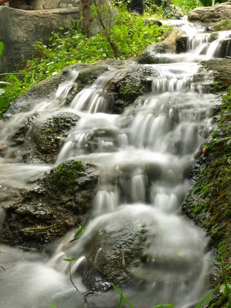 小水流也可以有滂沱氣勢