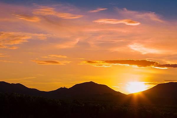 evening-sun-604383_1280