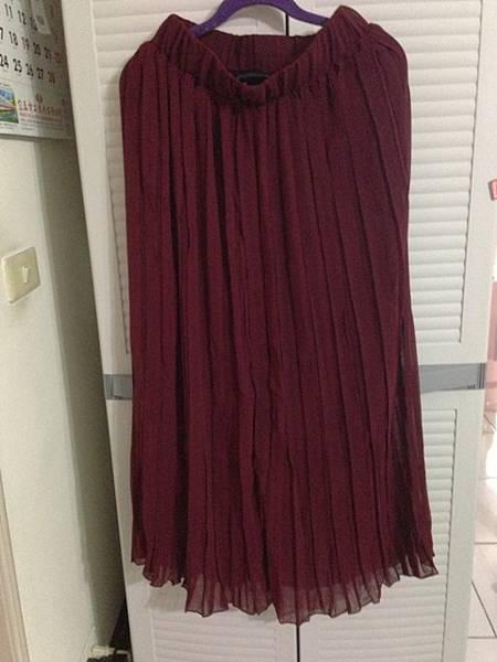 全新,酒紅色長裙,150元
