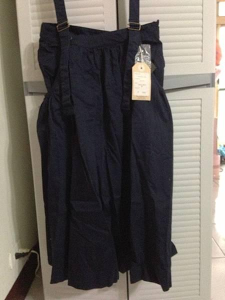 全新日貨,好寶寶深藍吊帶裙,吊帶可拆,300元