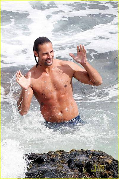 josh-holloway-shirtless-05.jpg